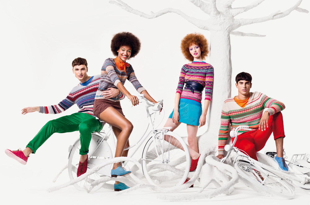 the similarities and differences in the ads american apparel and united colors of benetton Home entertainment culture 10 most controversial united colors of benetton ads benetton takes on a different issue in 1997 viva united colors of benetton.